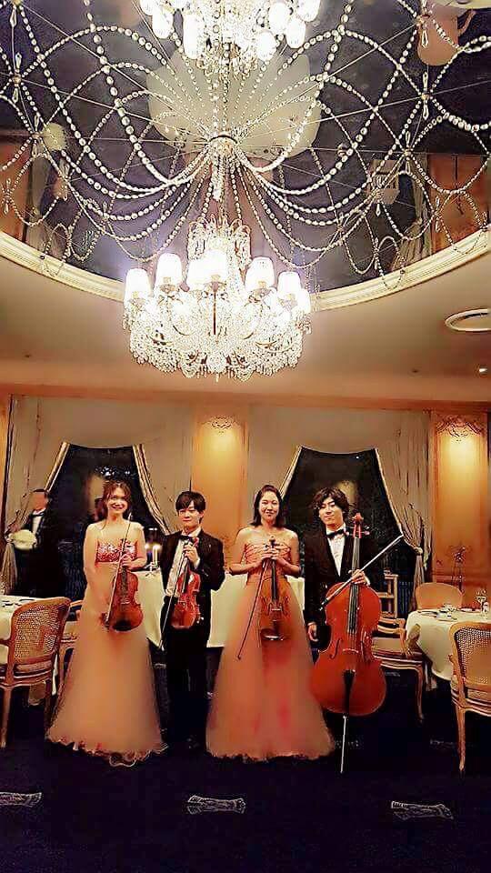 弦楽カルテットメンバー バイオリン、ビオラ、チェロ