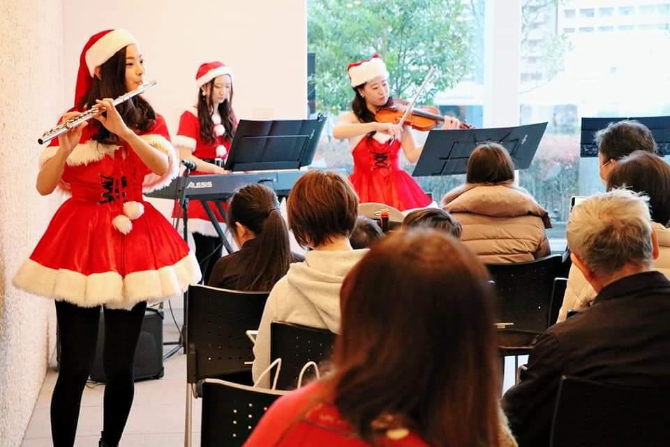 マンションクリスマスコンサート回遊パフォーマンス