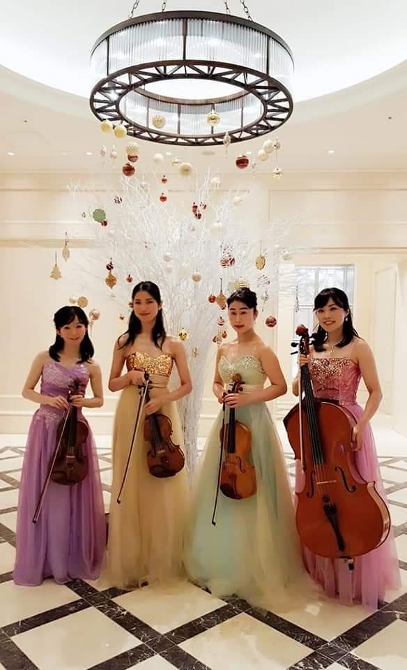 弦楽四重奏の女性演奏家