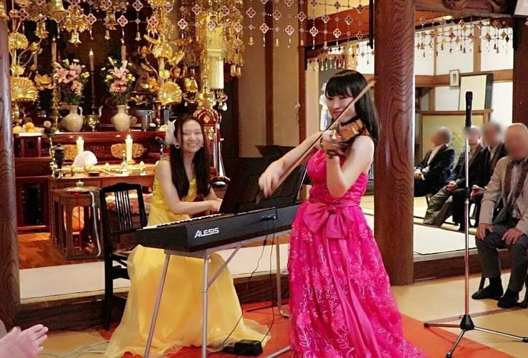 寺院コンサートヴァイオリンピアノ